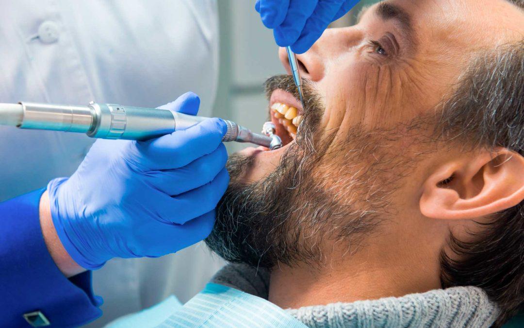 La importancia de una limpieza bucal profesional